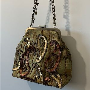 Cute purse with sequins all over it